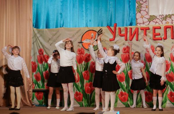 Танец в районном Доме культуры