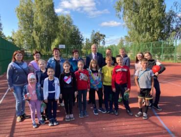 В посёлке Максатиха состоялось открытие новой спортплощадки