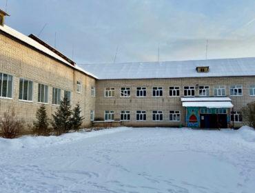 В Максатихинской средней школе №2 при поддержке области обновили окна